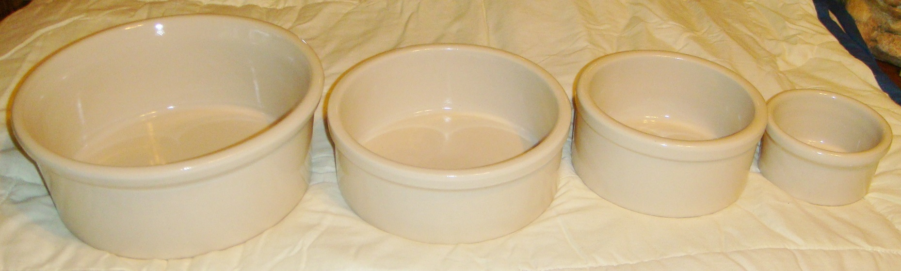 Bunnyrabbit Com Rabbit Bowl Water Crock Pet Water Bowl