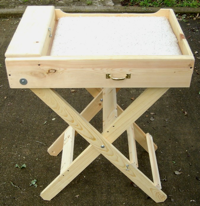 Folding Table With Handle picture on Folding Table With Handlegroom4.htm with Folding Table With Handle, Folding Table 593f97bfd18d8522c1e8d8e49fc3ad7c