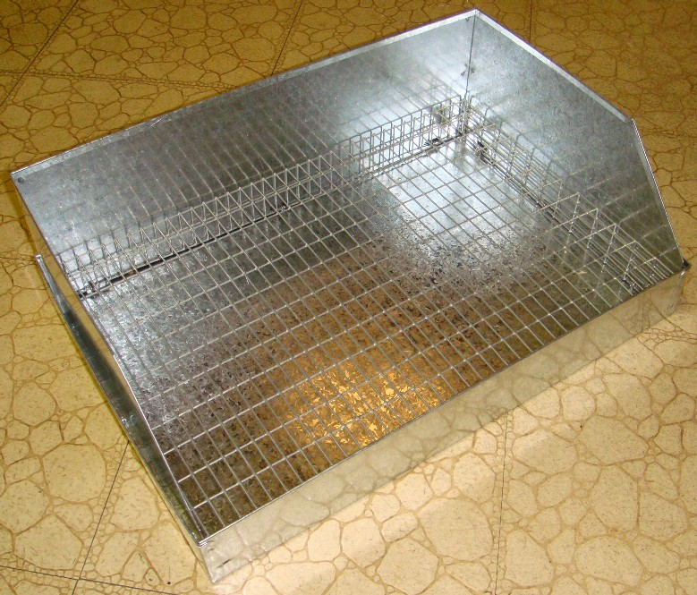 rabbit litter box metal 2